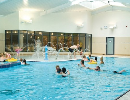 Cofton country holidays is a family holiday park in starcross near dawlish devon for Family holiday cottages with swimming pool