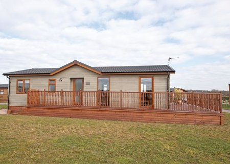 Holderness Country Park - in Tunstall near Withernsea. Holderness Country Park sleeps 4 people