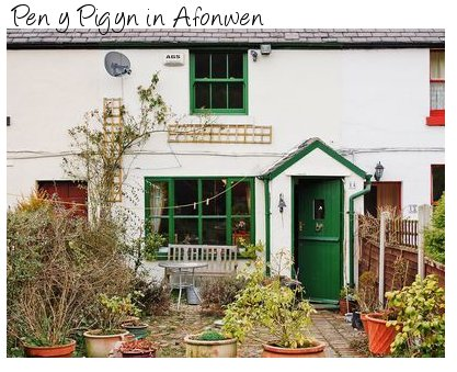 Pen y Pigyn in Afonwen is a terrace holiday cottage in northern Wales