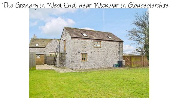 The Granary is a detached holiday cottage in West End, near Wickwar in Gloucestershire