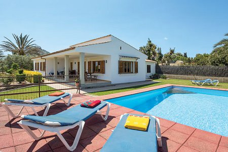 Villa Gabriel in Pollensa is a holiday villa sleeping 8 people in 4 bedrooms