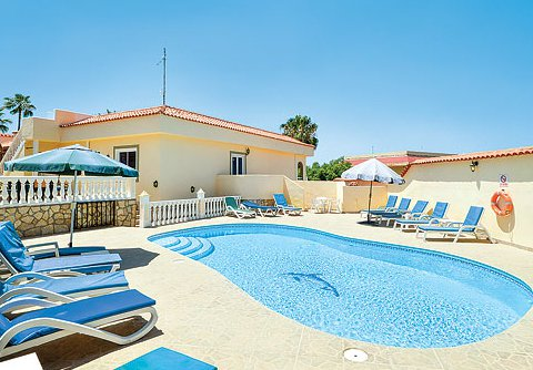 Villa Palomar in Callao Salvaje on Tenerife sleeps 12 people - a large villa on the west coast